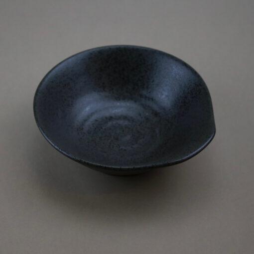 skål svart brun